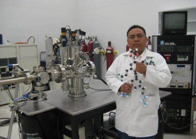 Aristeo Segura, construcción de una molécula para la NANOEDUCATION SEMINAR,UAM-Azcapotzalco,D.F., México,240907.